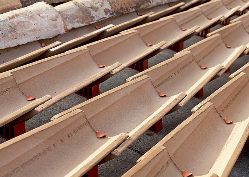 coppi rialzati di 3,5 cm dal piano di posa con Piedini AERcoppo®