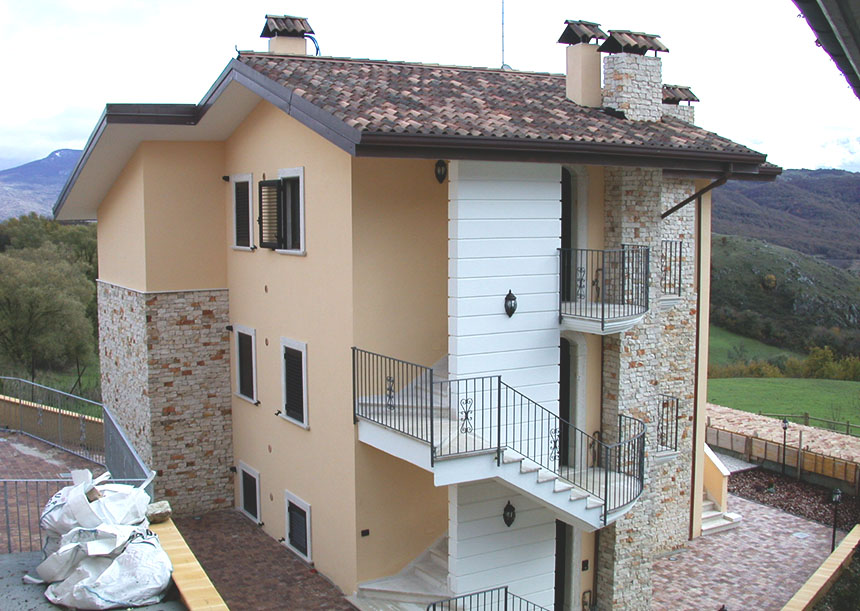 Edilizia residenziale, Roccacinquemiglia (AQ)